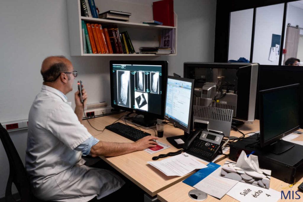 Console médecin pour l'interprétation des images médicales de la Clinique du Pré